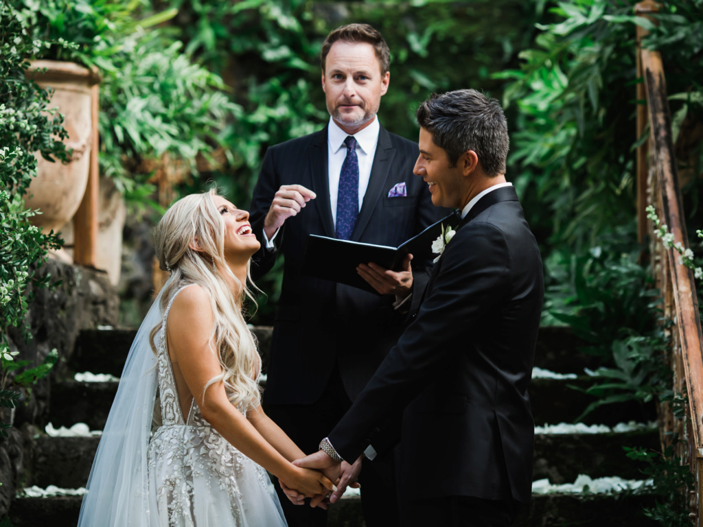 Arie Jr & Lauren Luyendyk - FAN Forum - Wedding - Discussion - Page 27 Knot710