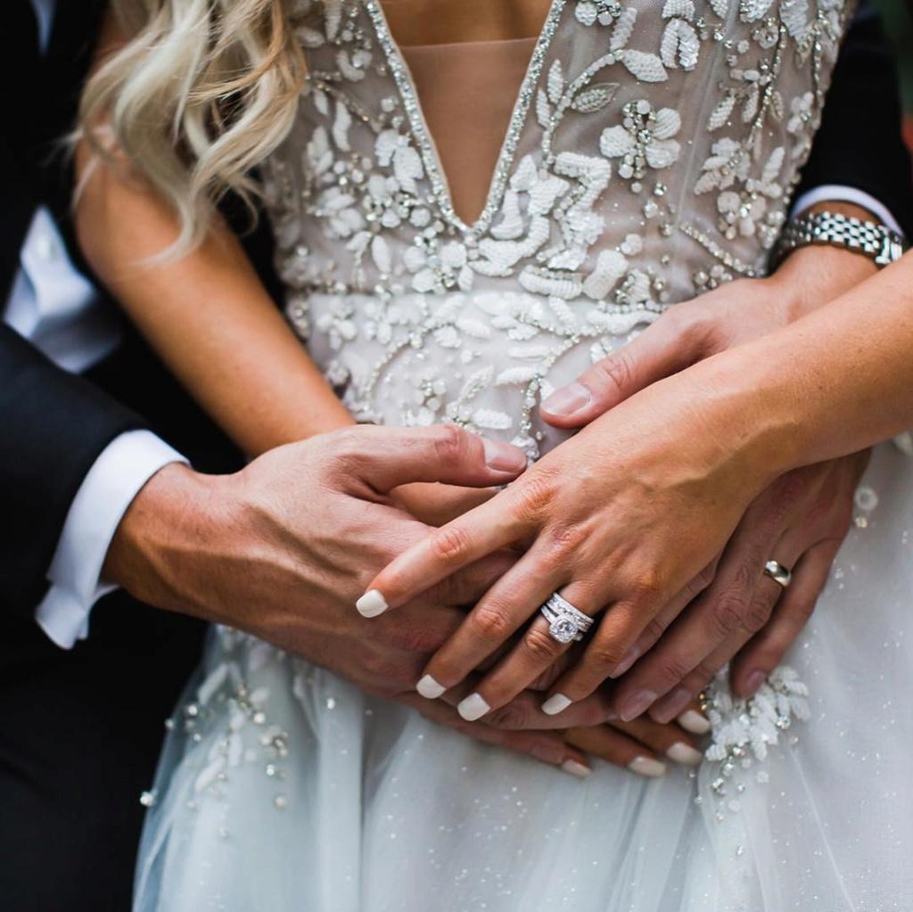 Arie Jr & Lauren Luyendyk - FAN Forum - Wedding - Discussion - Page 25 Lb810