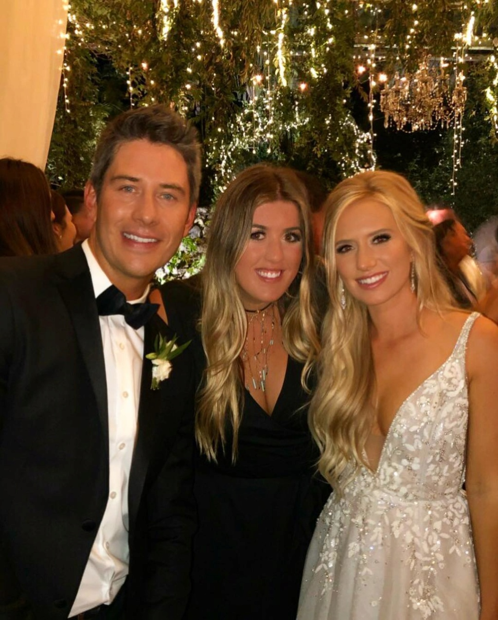 bachelorfamily -  Arie Jr & Lauren Luyendyk - FAN Forum - Wedding - Discussion - Page 23 Mcr210