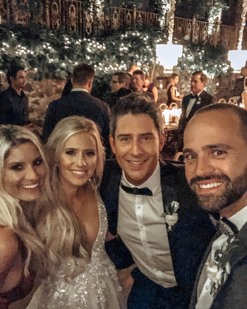 bachelorfamily -  Arie Jr & Lauren Luyendyk - FAN Forum - Wedding - Discussion - Page 21 Rw112