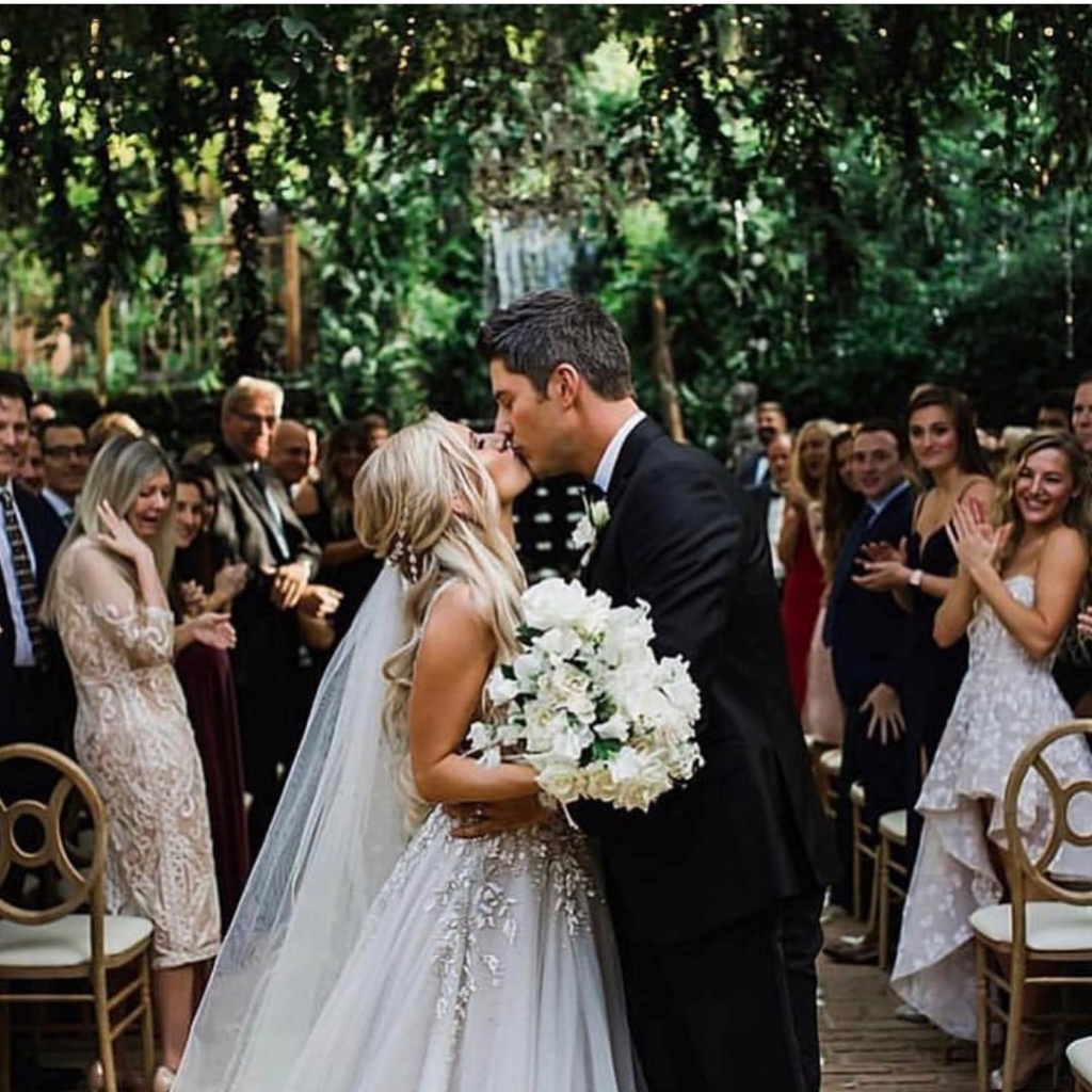 bachelorfamily -  Arie Jr & Lauren Luyendyk - FAN Forum - Wedding - Discussion - Page 21 Srt112