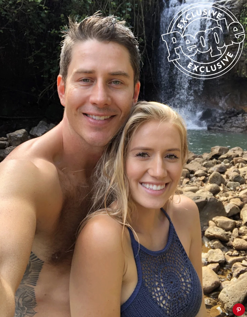 Arie Jr & Lauren Luyendyk - FAN Forum - Wedding - Discussion - Page 27 Tempsn11