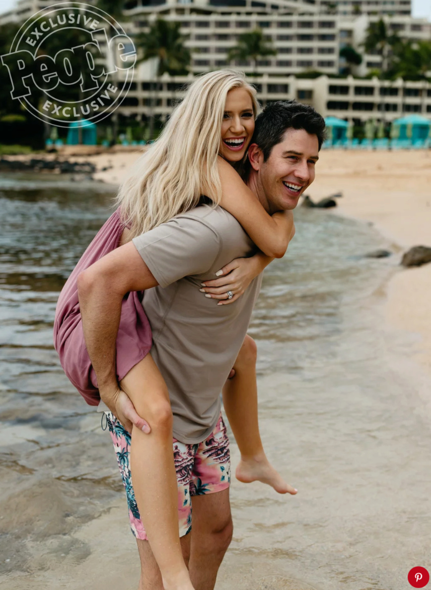 Arie Jr & Lauren Luyendyk - FAN Forum - Wedding - Discussion - Page 27 Tempsn13