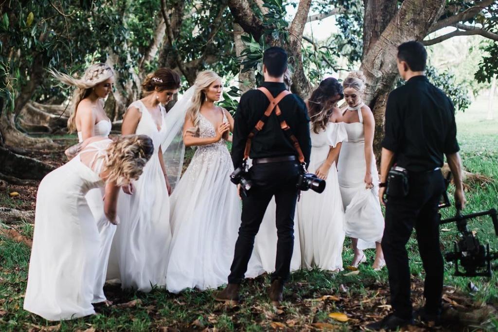 Arie Jr & Lauren Luyendyk - FAN Forum - Wedding - Discussion - Page 25 Zf110