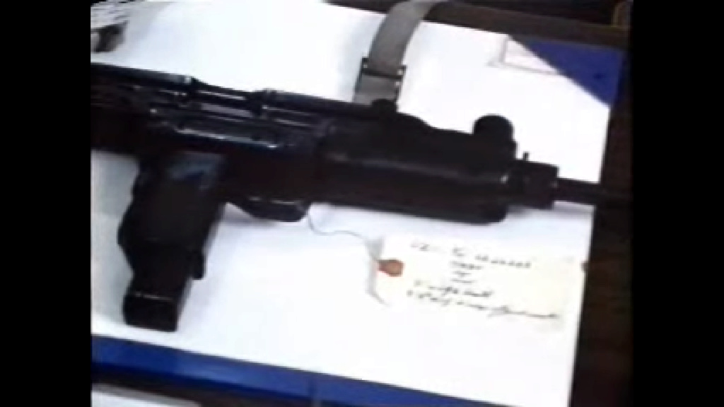 Photo's of mass murderer's weapons - Page 3 Image_10