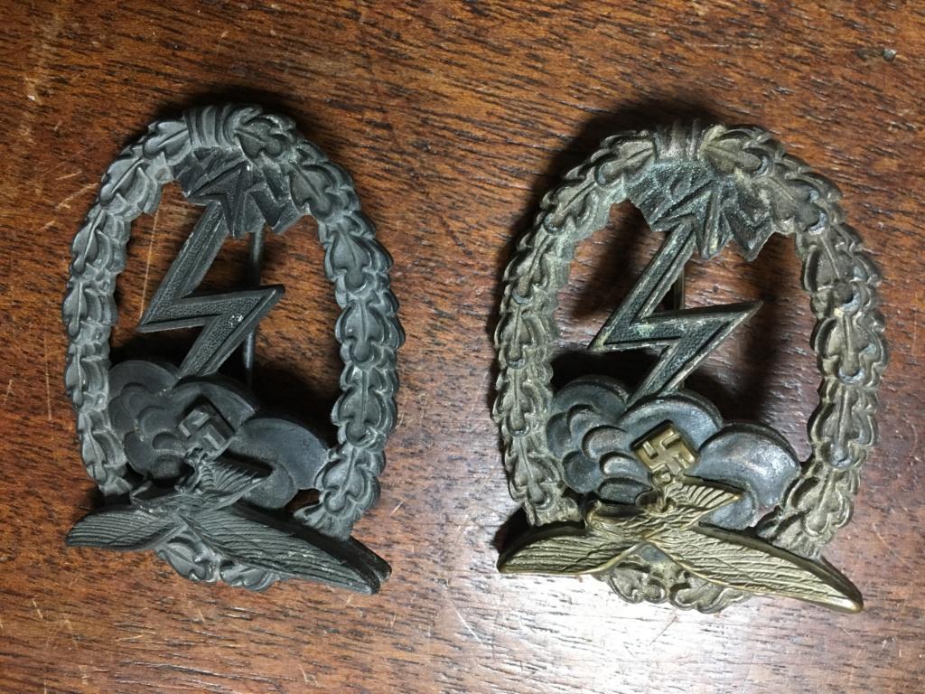 décoration et badge allemand ww2 Img_7012