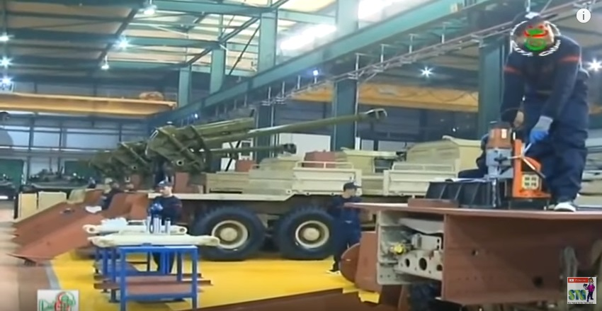 العراق يعيد للخدمه مدفعيه D-30 عيار 122 ملم محموله على الشاحنات  110