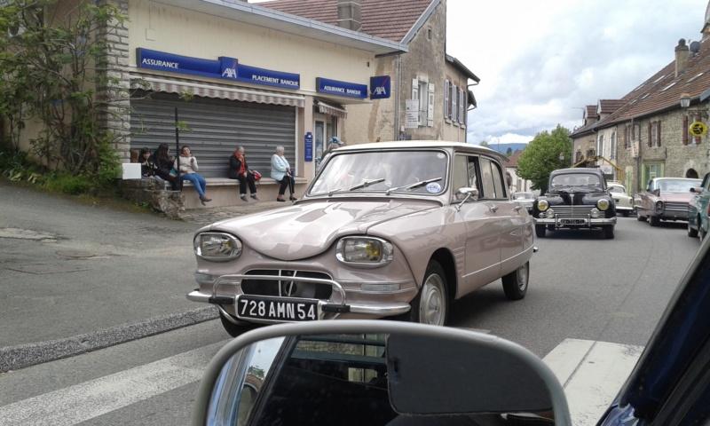 Embouteillage dans les rues de Rioz en Haute Saone 20190532
