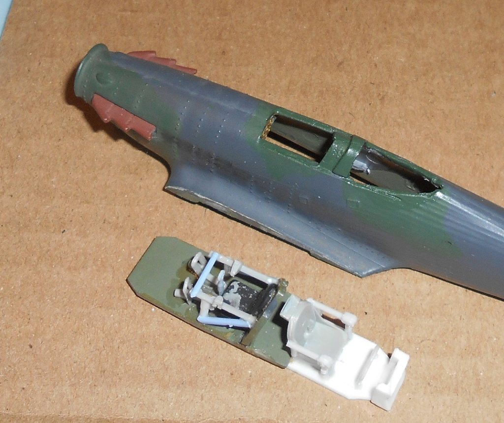[Airfix] Hurricane biplace et soviétique ( c'est grave docteur ?) [FINI] 29910