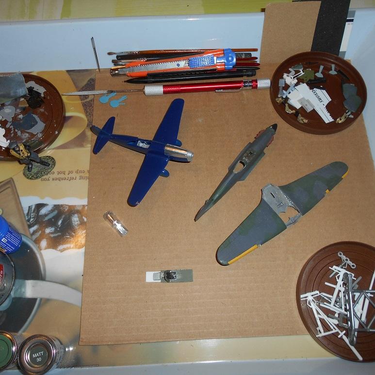 [Airfix] Hurricane biplace et soviétique ( c'est grave docteur ?) [FINI] Dscn4611