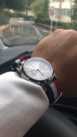 Akrone : des montres, tout simplement - Page 14 Efce6c10