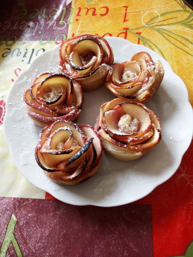 Tarte aux pommes et chantilly (façon Tuggy)  Roses-10