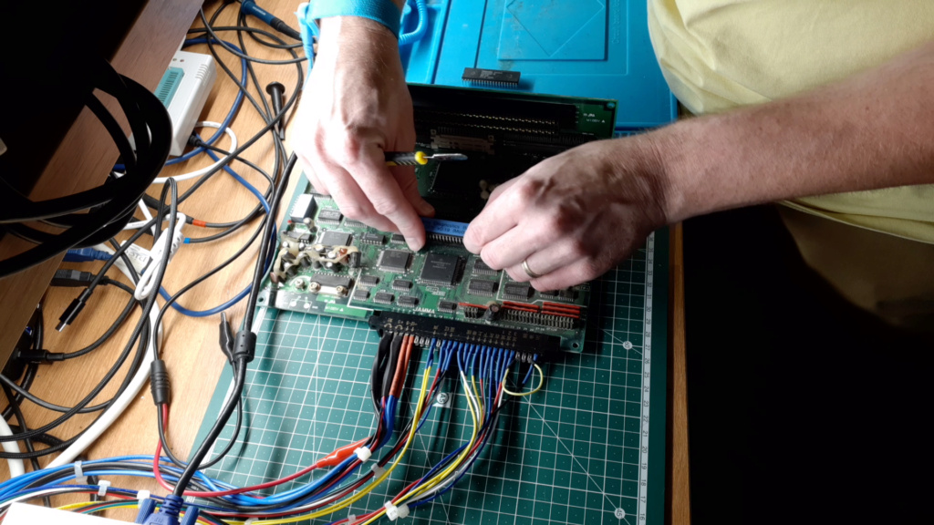 [WIP 100%] Réparation d'un slot MV-1FS en erreur Z80 - Un autre! 04_neo10