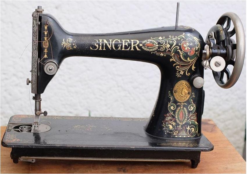 """La Singer 66K """"Lotus"""" de simanco33 (comparée ensuite à la 99K)  - Page 2 Red_ey13"""