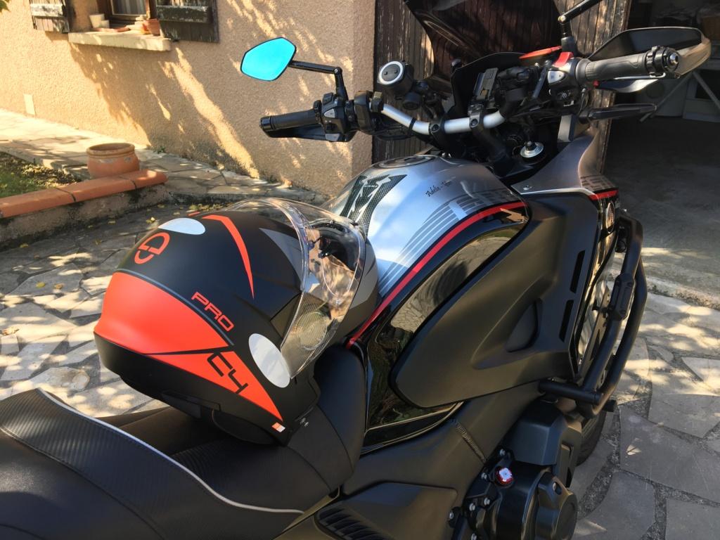 Tag ton Casque/Réservoir autres Moto ou Scooter - Votre Casque est il personnalisé... 69ec2510