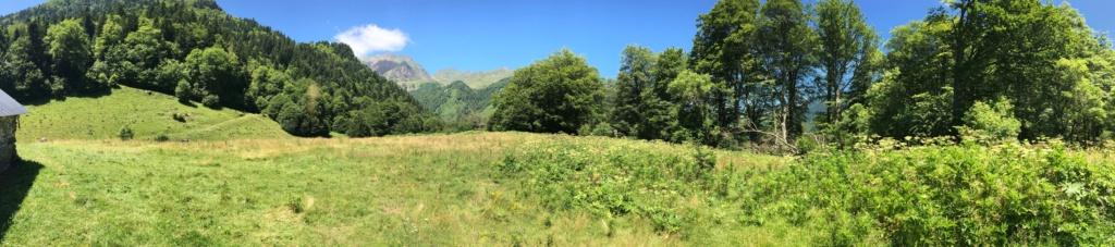 Road Trip dans les Pyrénées à Bedous Vallée Aspe Béarn… B3160610