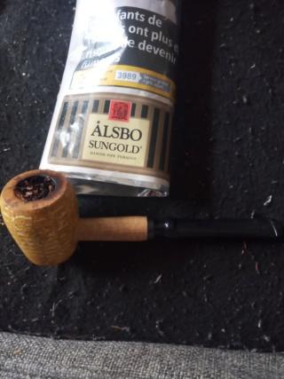 """24/04/20 """"à la saint fidele, fait fumer tes belles"""" 15877310"""