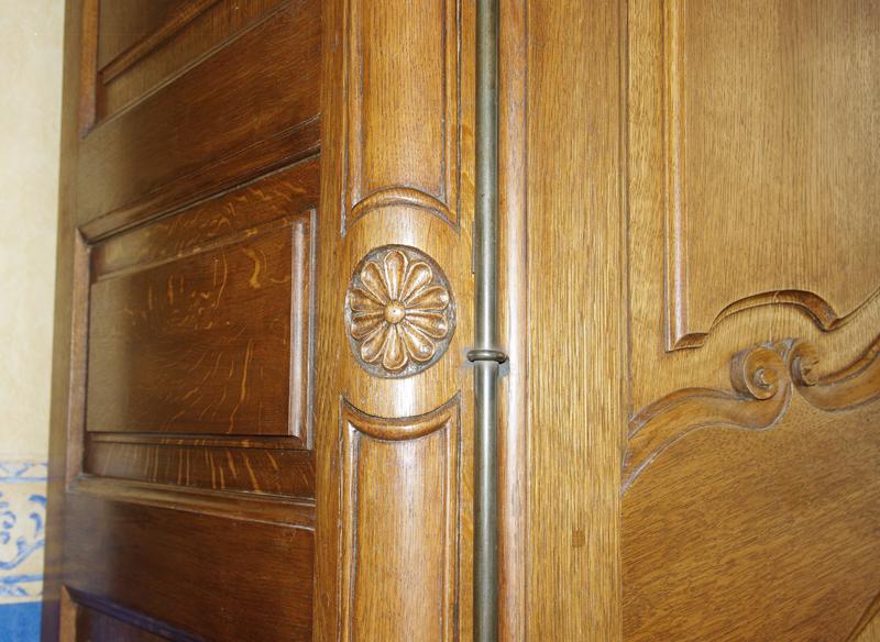Une armoire Armoir16
