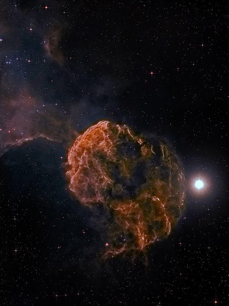 Nébuleuse de la méduse IC443 dans les gémeaux 16348410