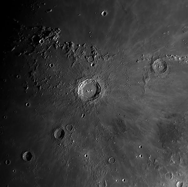 détails lunaires 23051910