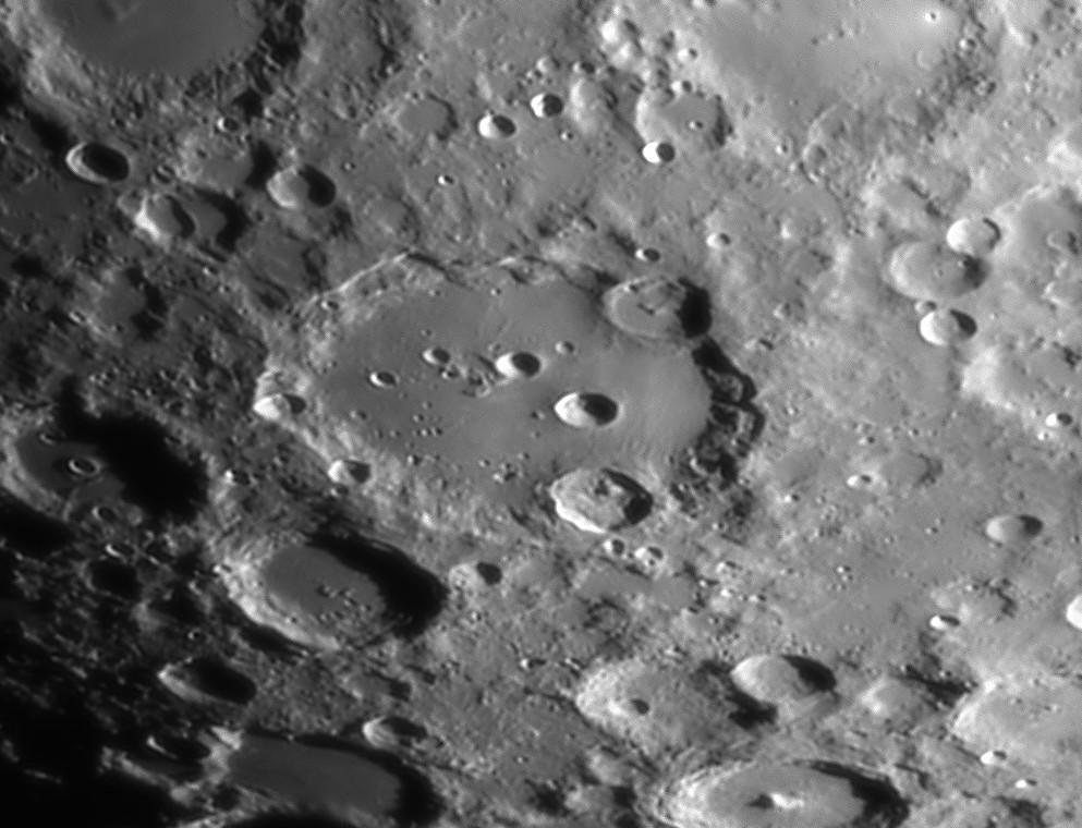 détails lunaires 23315210