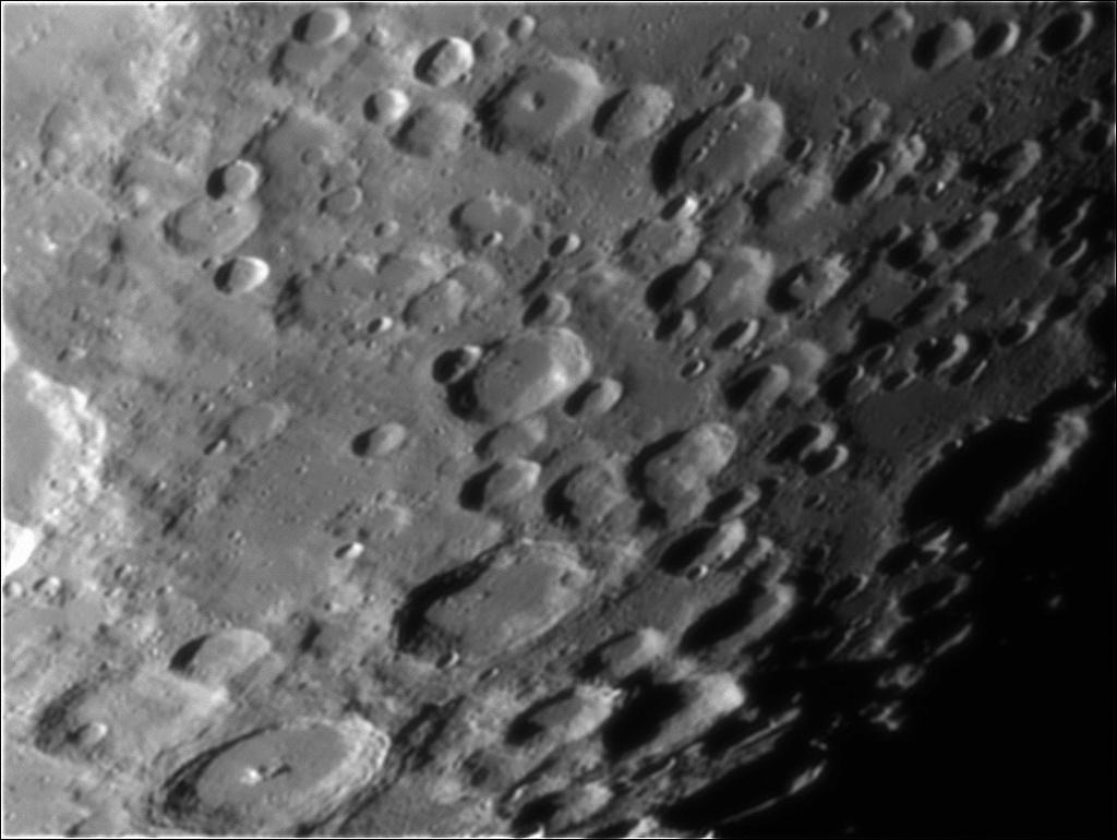 quelques morceaux de lune Moon_011