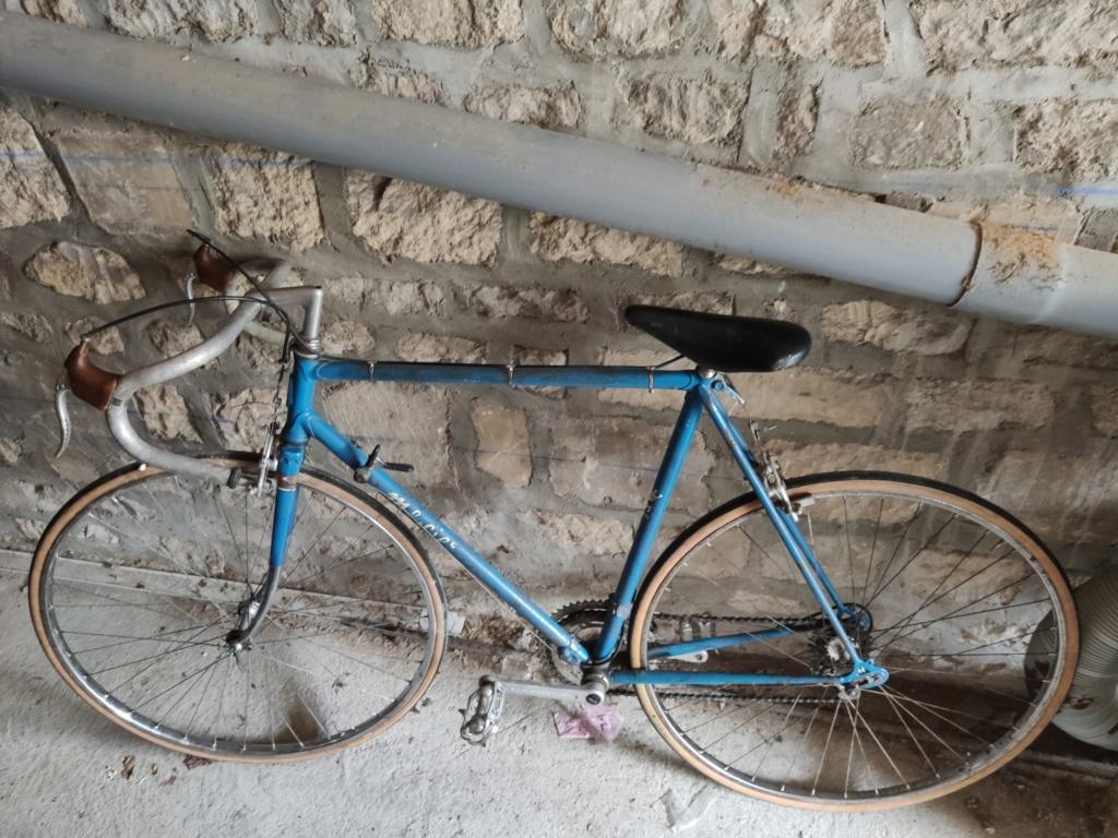 Vélo inconnu peugeot ou mercier ou les deux....?  Img_2011