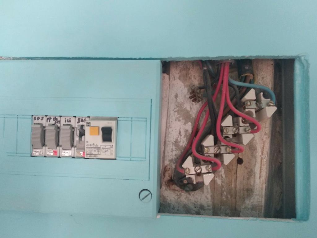 changement tableau électrique secondaire Img_2012