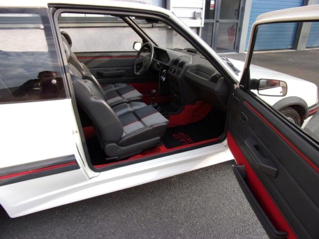 [69] 205 GTi 1L9 - 130cv - AM88 - Blanc Meije Int_co10