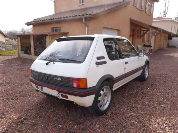 [69] 205 GTi 1L9 - 130cv - AM88 - Blanc Meije P1010511