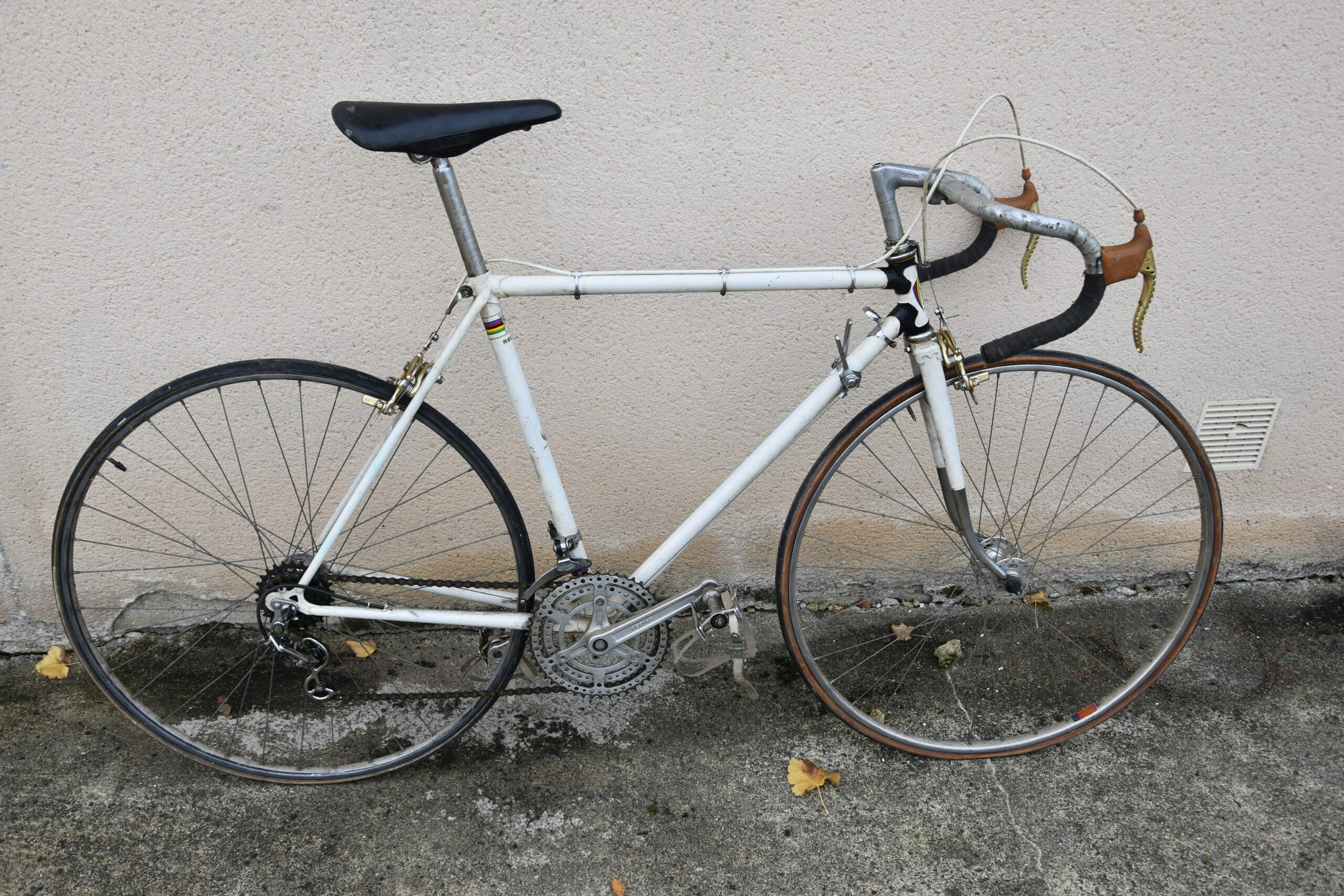 quel pourrait etre ce vélo ???? Dsc_0116