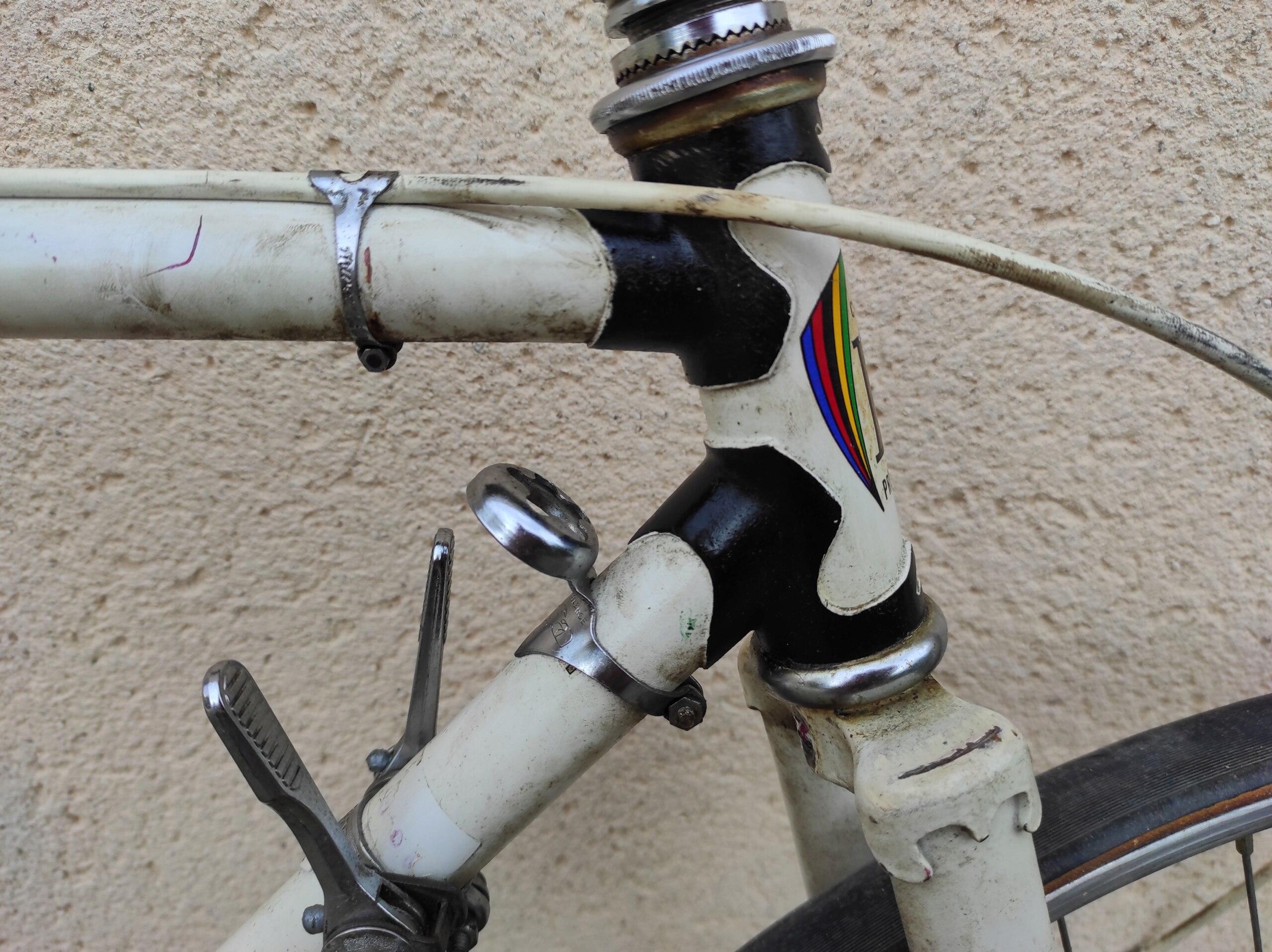 quel pourrait etre ce vélo ???? Img_2012