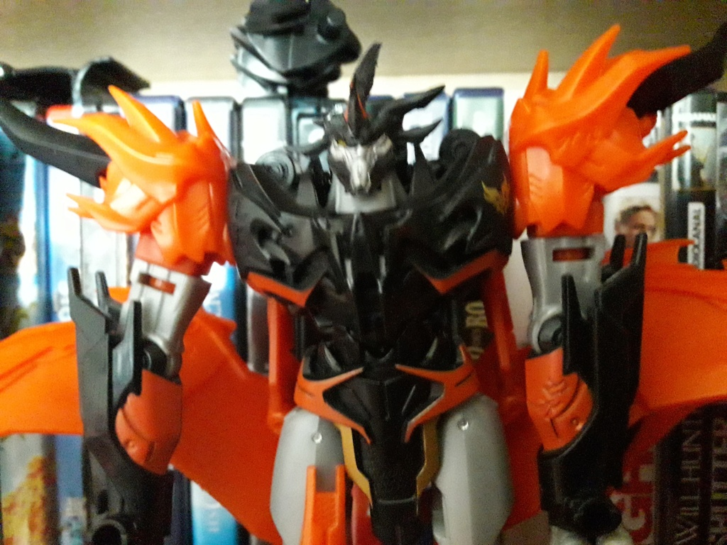 Jouets Transformers Prime - Page 29 20210414