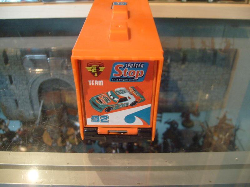 mes autres Cars 1 , 2 , 3 et Planes !!! toutes marques et matieres - Page 15 S7308321