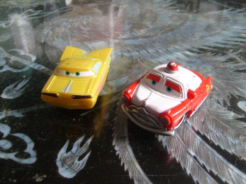 mes autres Cars 1 , 2 , 3 et Planes !!! toutes marques et matieres - Page 15 S7308427