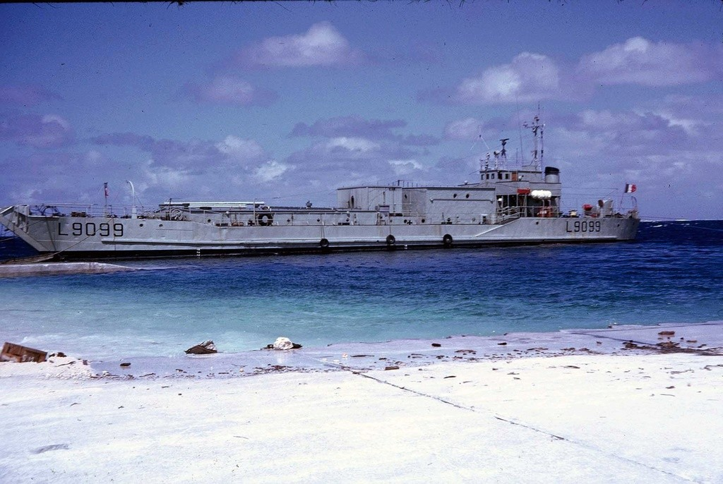 LCT L 9099 - Page 2 F1180014