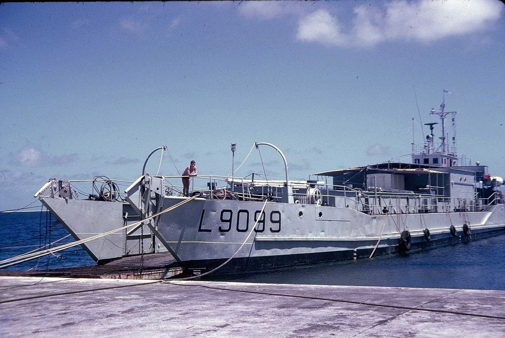 LCT L 9099 - Page 2 F1180015