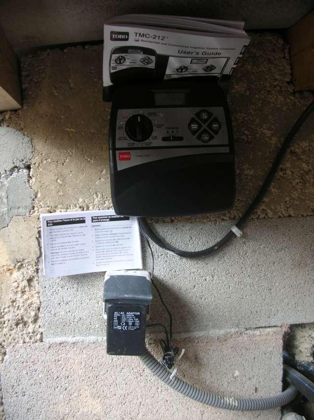 Programmateur d'arrosage TORO modèle TMC 212 Dscn6411