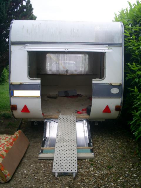 Modification caravane pour transport moto Carava10