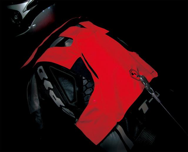 TEST GILET AIRBAG HIT-AIR RS1 par MOTOPISTE Rs1_im10