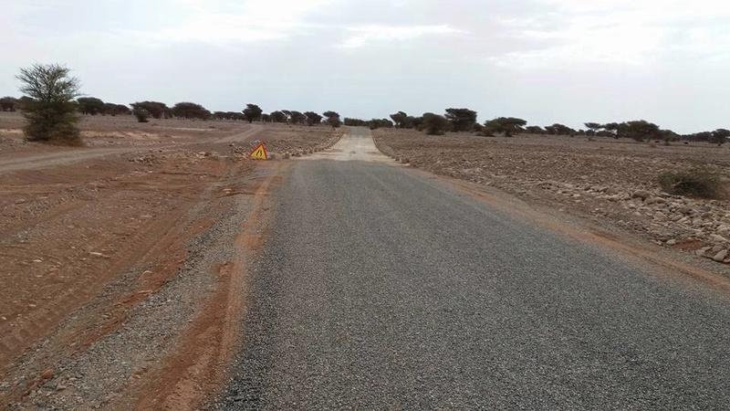[Maroc Camp/Dernières nouvelles]  L'accès au camp Serdrar en cours d'etre goudronné Oasis110