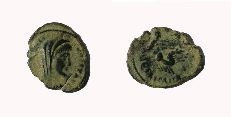AE4 póstumo de Constantino I. Cuadriga. Ceca de Antioquía Consta14