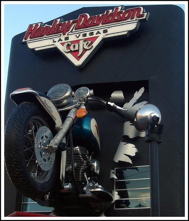 "LE ""HARD ROCK"" EN GENERAL - Page 2 Harley10"