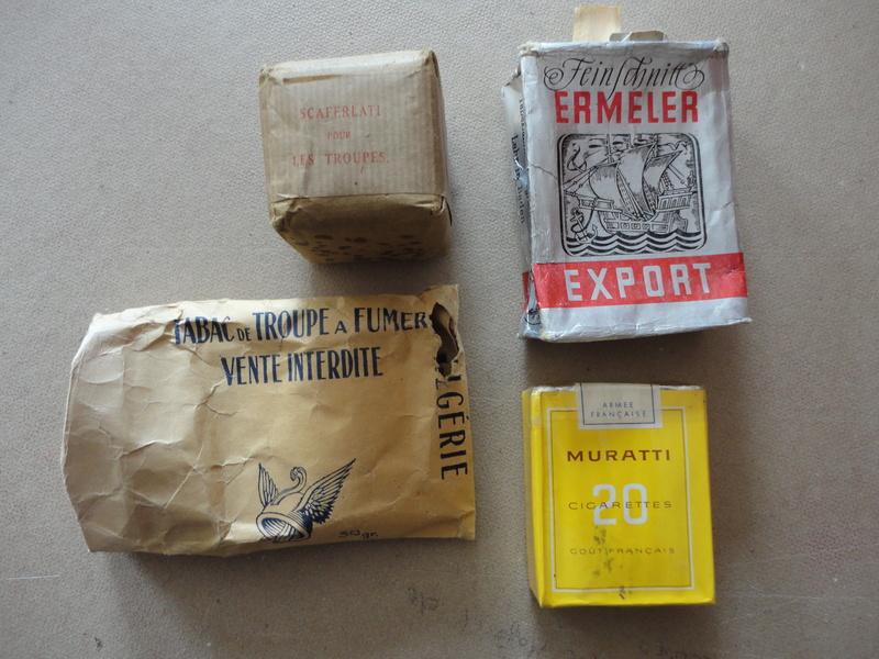 lot de quatre paquets cigarette et tabac troupe années 50 -ALPINS-SEPTEMBRE1 Dsc04476