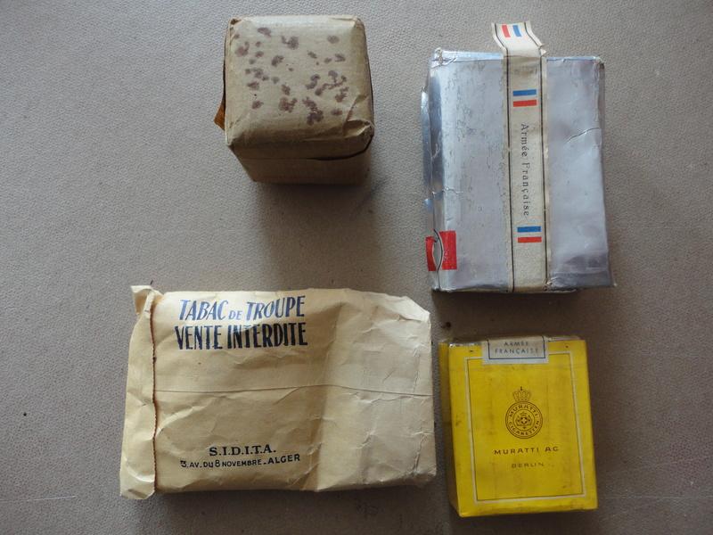 lot de quatre paquets cigarette et tabac troupe années 50 -ALPINS-SEPTEMBRE1 Dsc04510