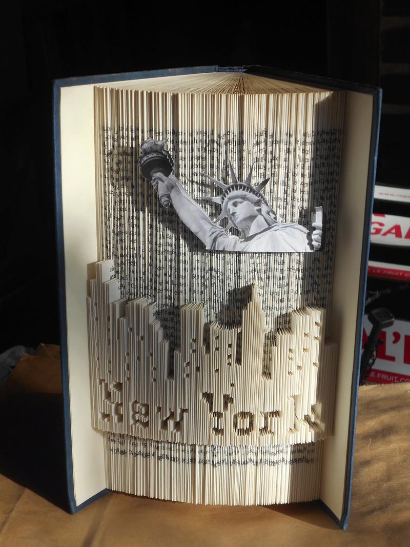Pliage de livres - Page 3 Dscn0717