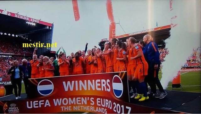 Les Pays-Bas remportent l'Euro féminin à domicile après une finale spectaculaire  20638810