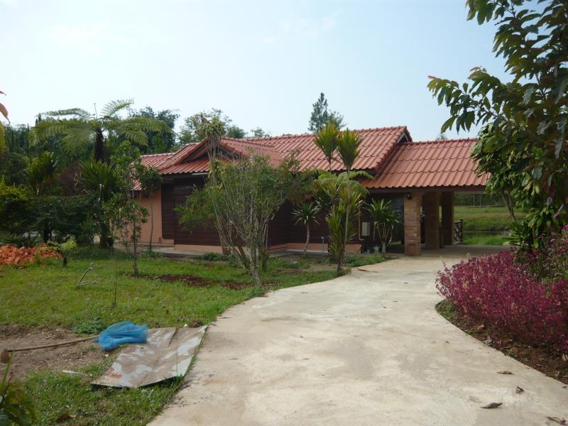 เมืองปากซอง ลาวใต้ ( Pak Song ) P1190410