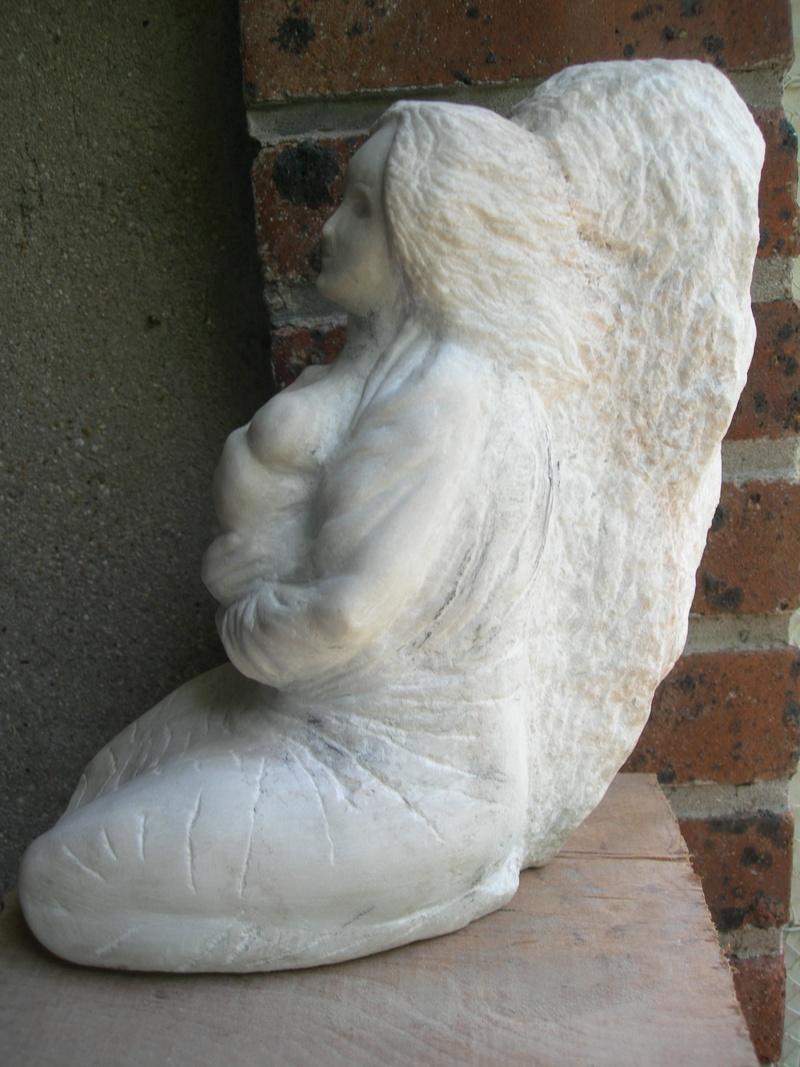 Femme allaitant en cours Dscn6417