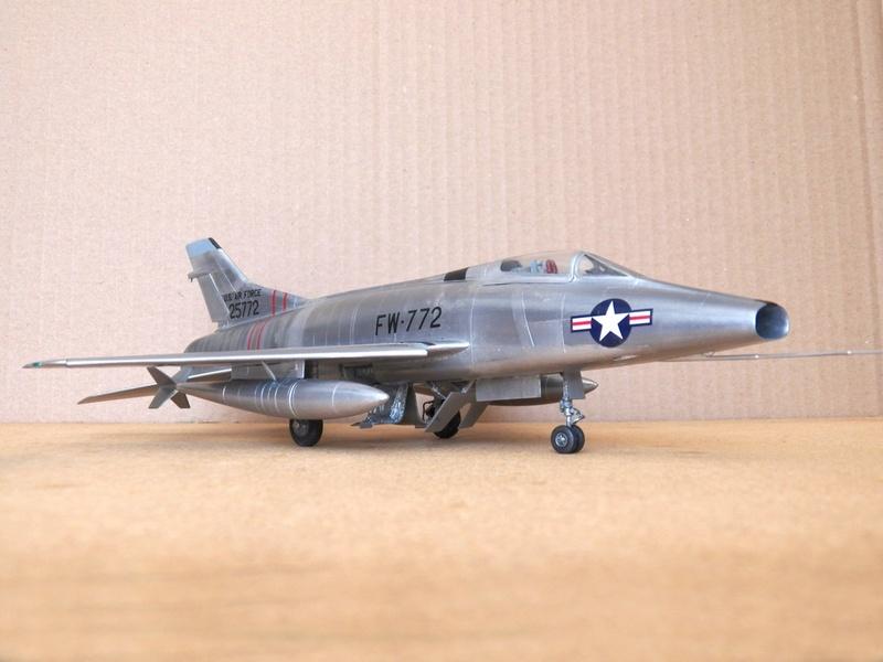 North American F-100A, première série. F-100a11